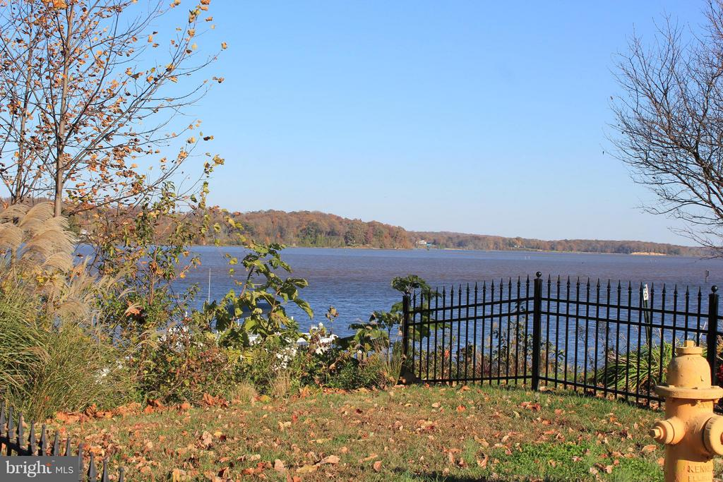 Sweeping views of the water -- no wake zone - 472 BELMONT BAY DR, WOODBRIDGE