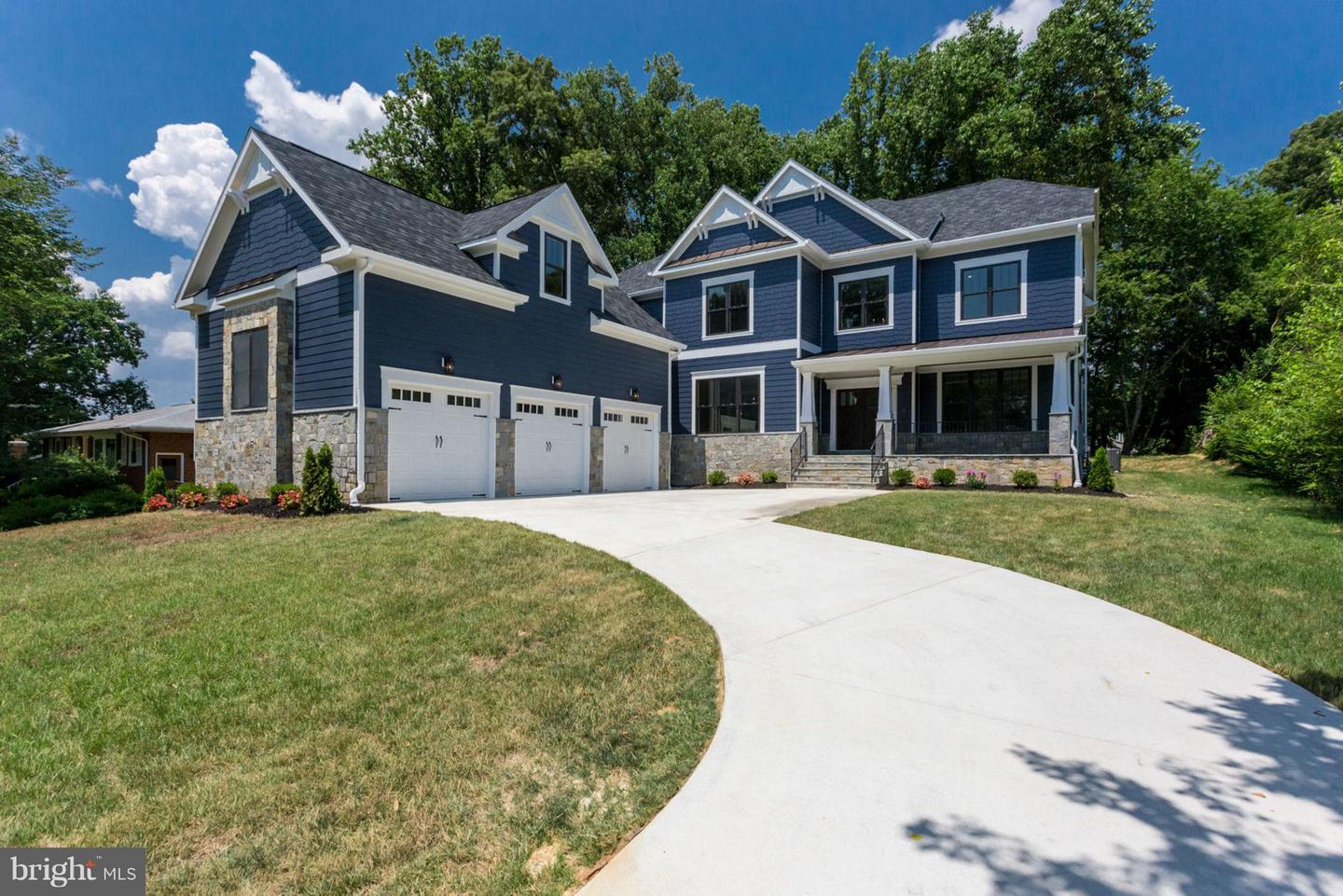 Single Family Home for Sale at 9222 Brian Drive 9222 Brian Drive Vienna, Virginia 22180 United States