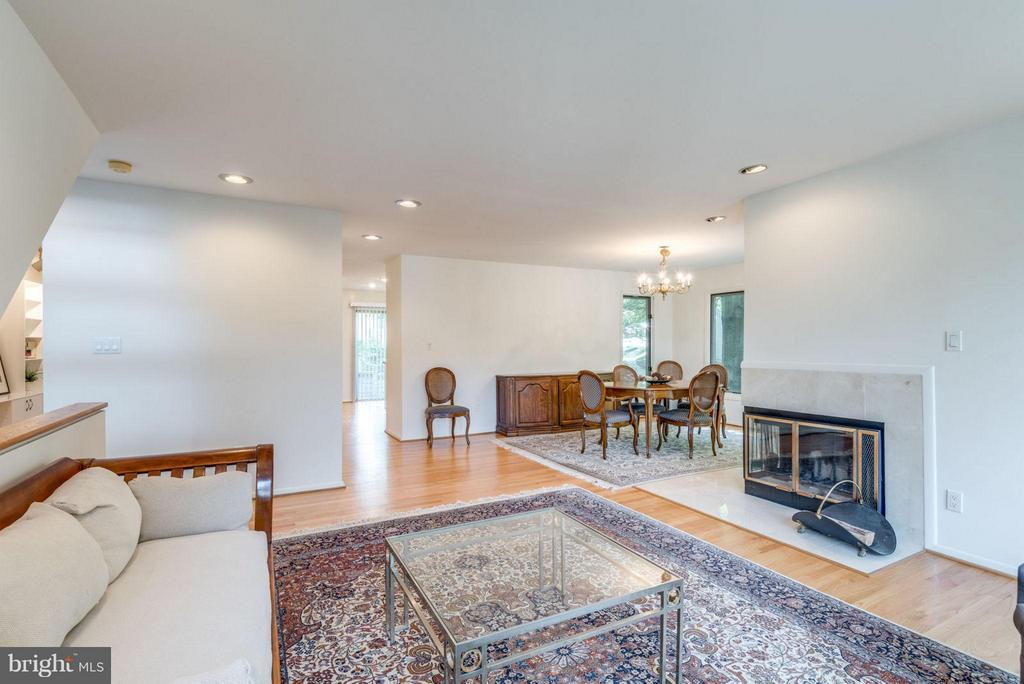 Family Room with fireplace - 1942 LAKEPORT WAY, RESTON