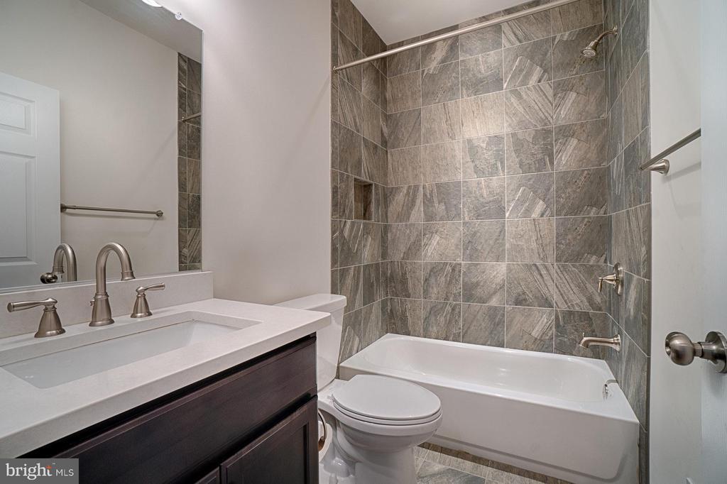 Bath - 4326 AGNEW AVE, ALEXANDRIA
