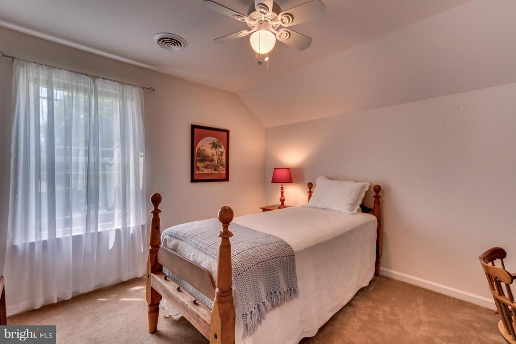 UPPER LEVEL 3RD BEDROOM - 102 HARRISON CIR, LOCUST GROVE