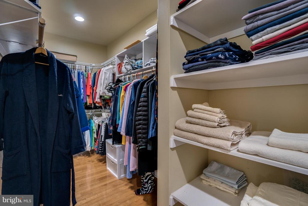 MASTER BEDROOM HUGE WALK IN CLOSET FROM TWO DOORS! - 102 HARRISON CIR, LOCUST GROVE