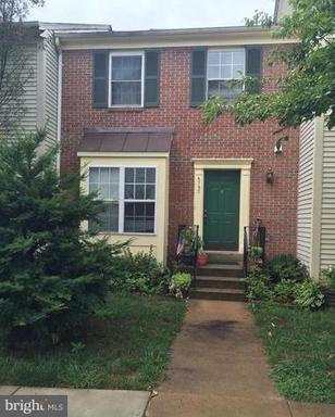Property for sale at 6737 Jenny Leigh Ct, Centreville,  VA 20121