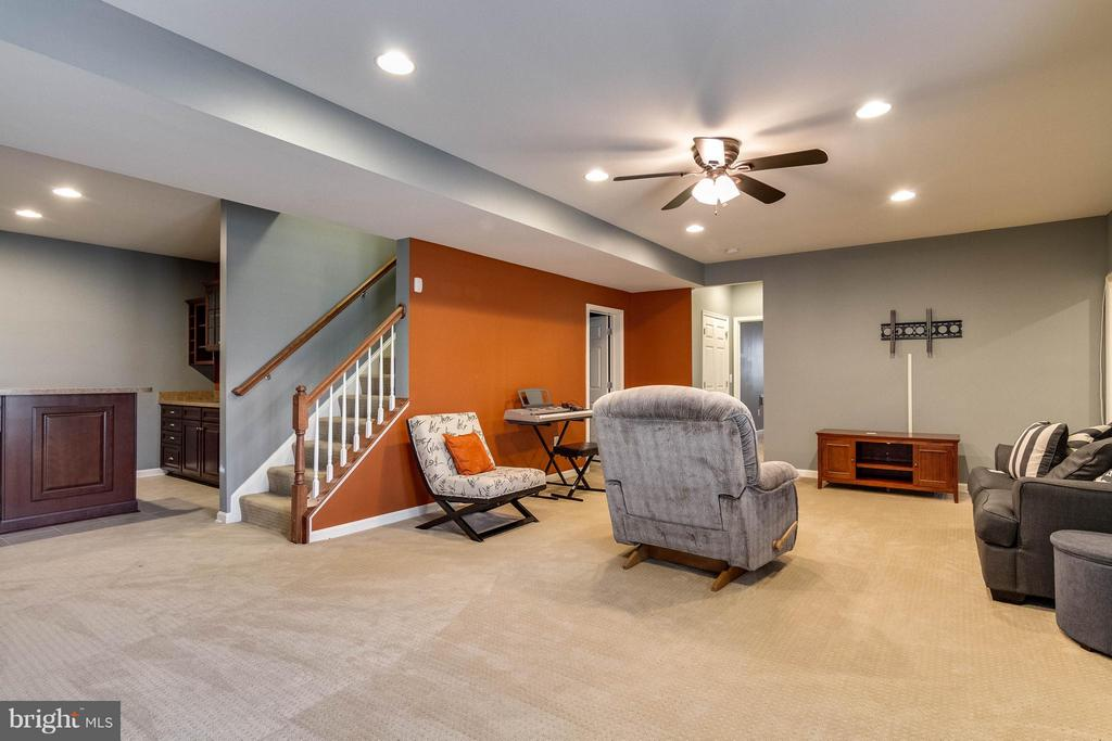 Walk-Out Basement - 6012 FOX HAVEN CT, WOODBRIDGE