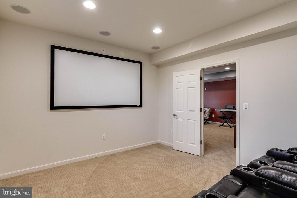 Basement Theater Room - 6012 FOX HAVEN CT, WOODBRIDGE