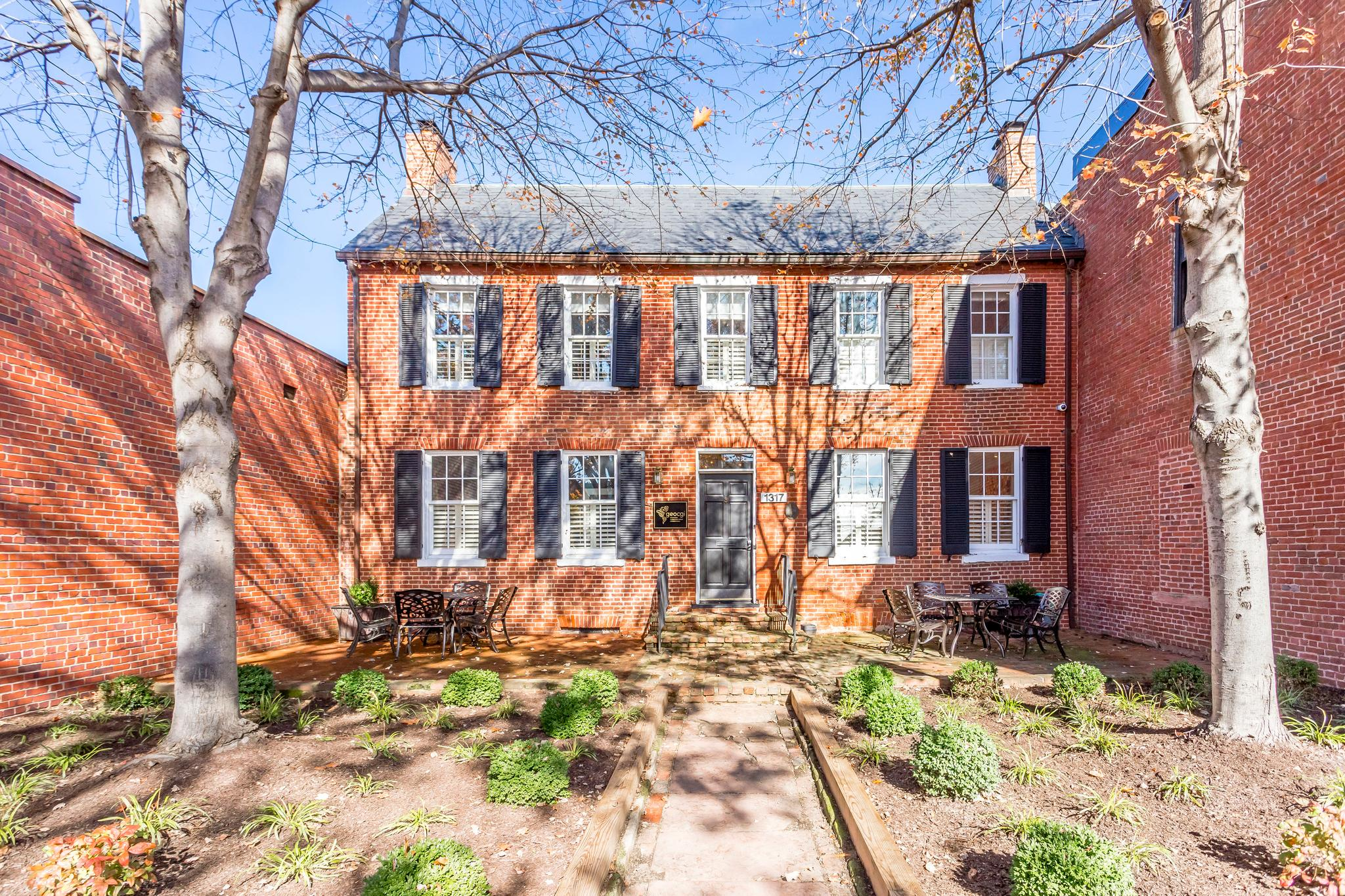 Commercial for Sale at 1317 King Street 1317 King Street Alexandria, Virginia 22314 United States