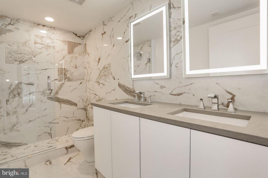 PHOTO FROM UNIT 3- Master bath - 1245 PIERCE ST N #8, ARLINGTON