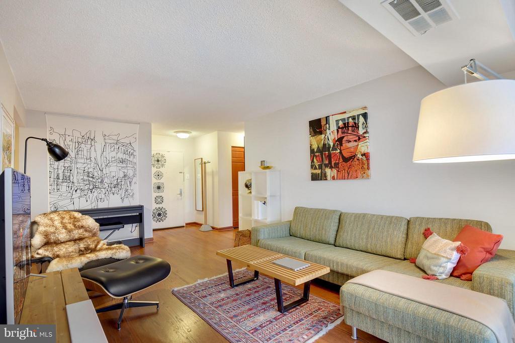 Arlington Homes for Sale -  Tennis Court,  4500 S FOUR MILE RUN DRIVE  913