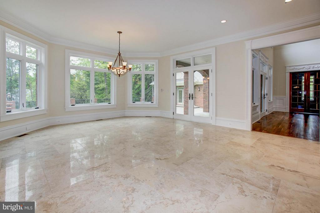 - 895 GEORGETOWN RIDGE CT, MCLEAN