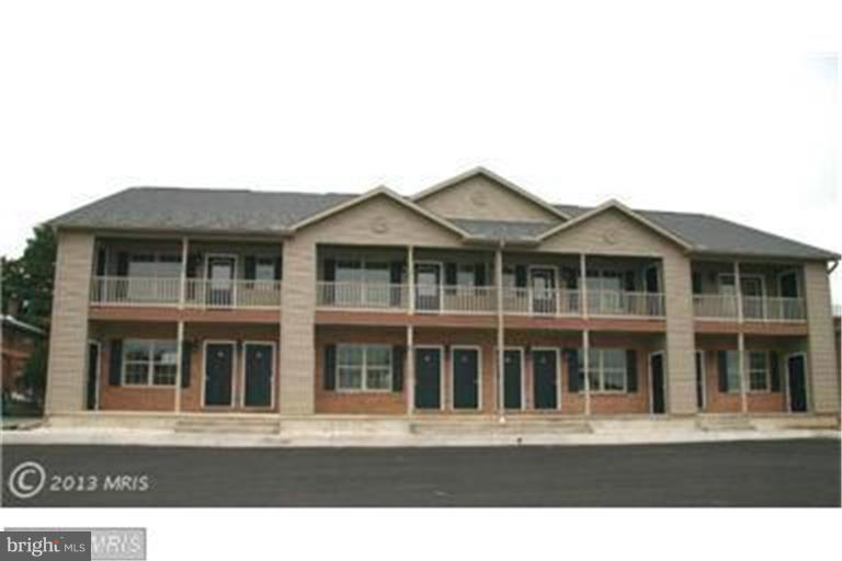 Single Family Homes för Hyra vid 81 RAILROAD Street Greencastle, Pennsylvania 17225 Förenta staterna