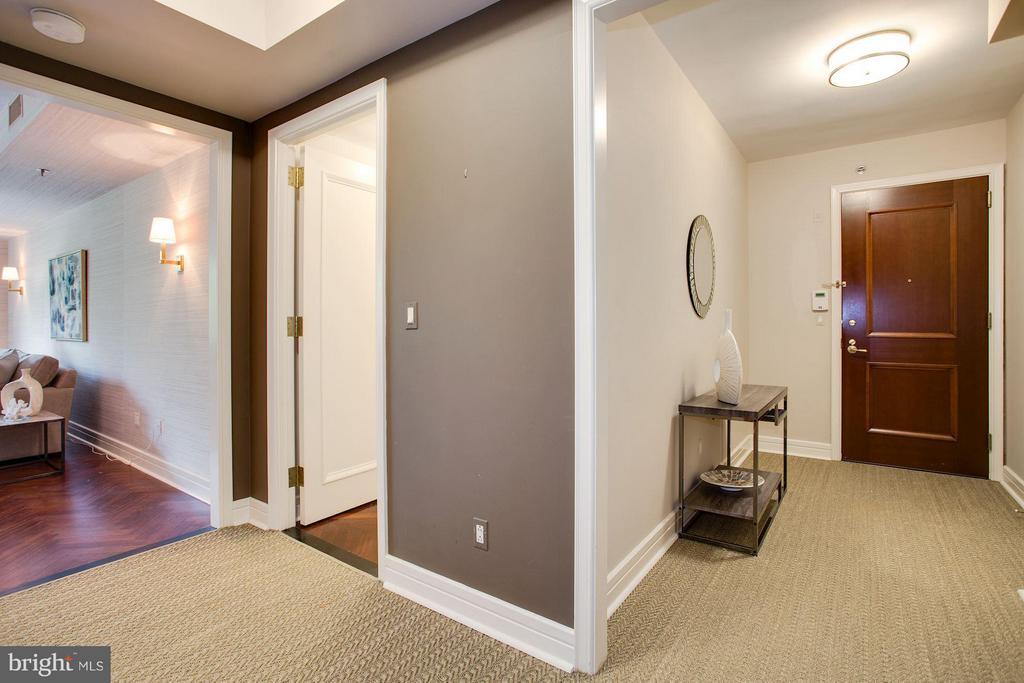 Foyer - 1111 23RD ST NW #2B, WASHINGTON