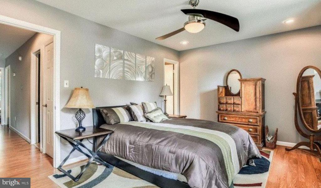 Bedroom (Master) - 508 WINDSOR AVE E #A, ALEXANDRIA