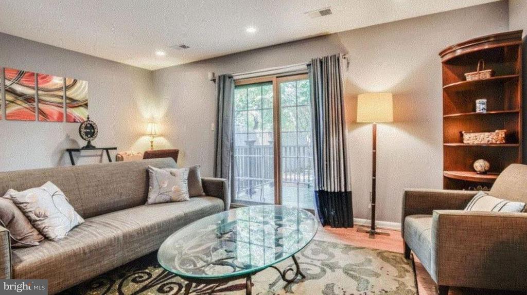 Living Room - 508 WINDSOR AVE E #A, ALEXANDRIA