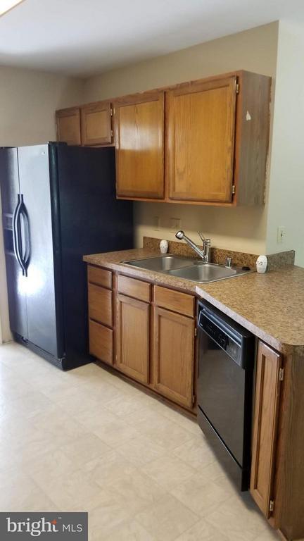 New Flooring in Kitchen - 10712 BIG OAKS CT, SPOTSYLVANIA