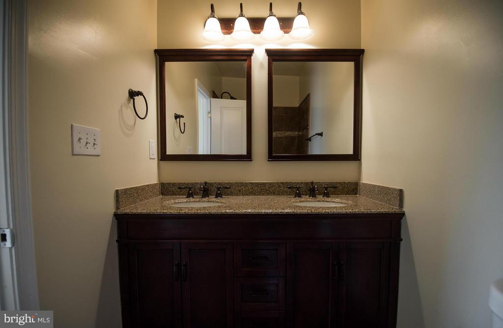 Bath (Master) - 5124 C ST SE, WASHINGTON