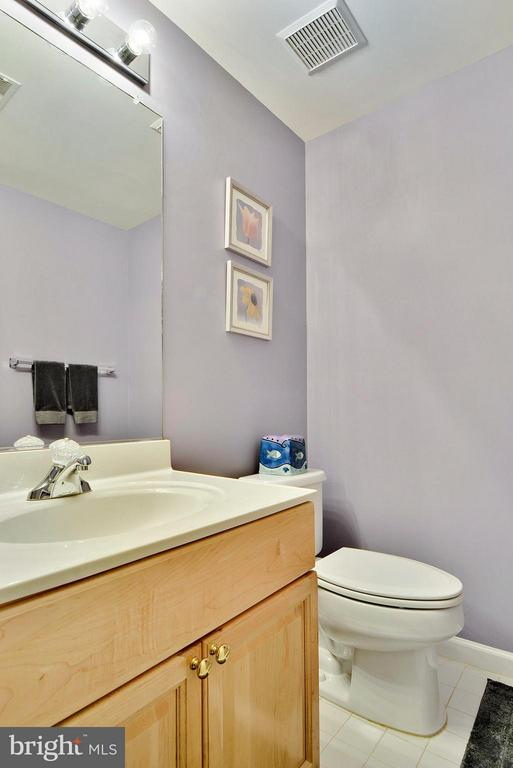 Basement half bathroom - 10106 DECKHAND DR, BURKE