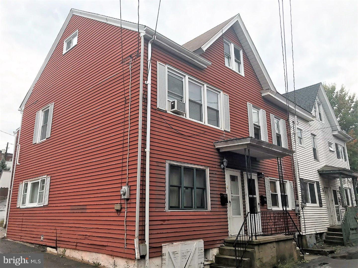 Single Family Home for Sale at 105 MIDDLE Street Minersville, Pennsylvania 17954 United States