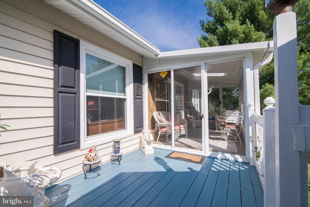 Deck leads to sun room - 192 CHESTNUT LN, BERRYVILLE