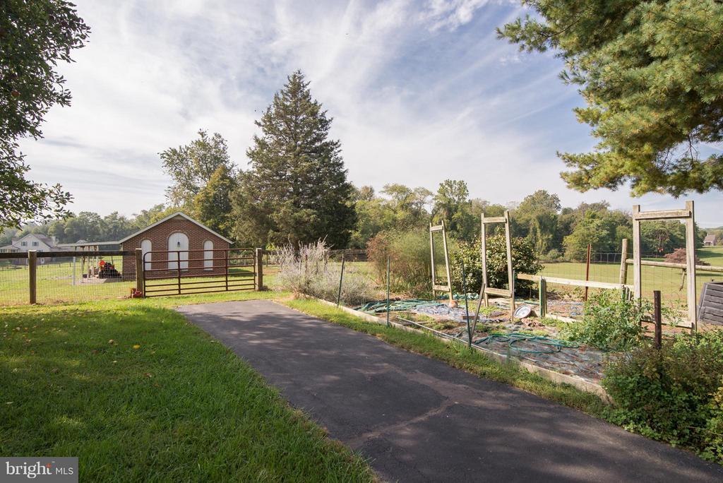 Garden spot is ready! - 192 CHESTNUT LN, BERRYVILLE