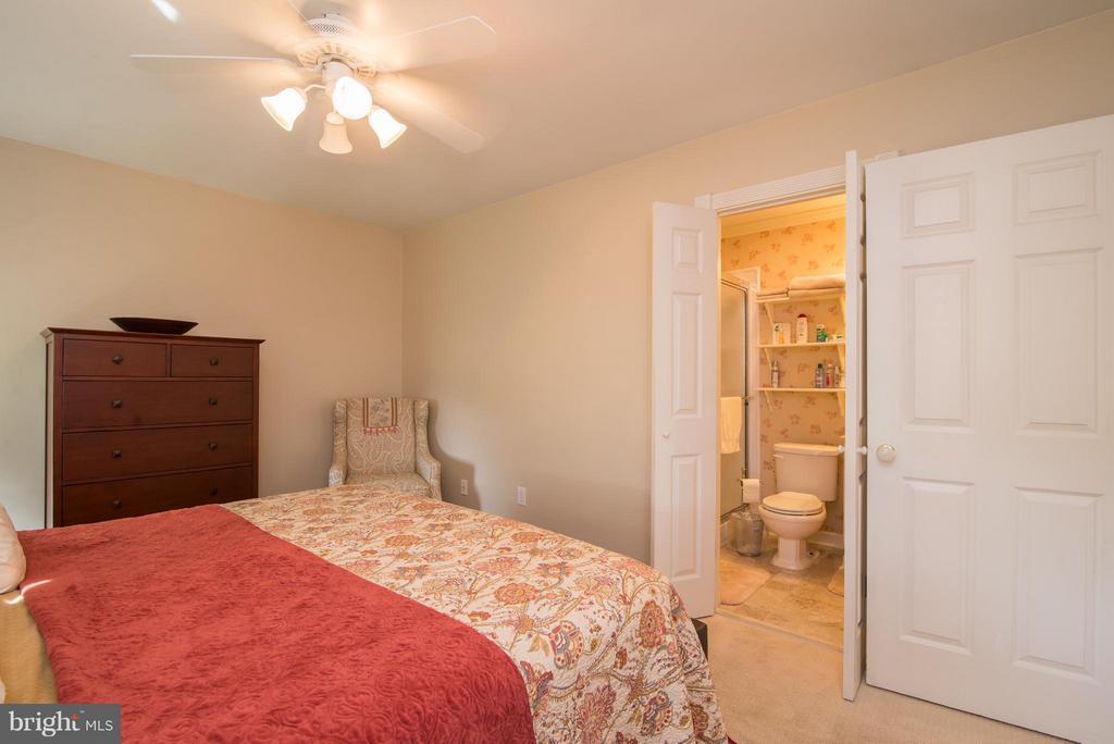Bedroom (Master) - 192 CHESTNUT LN, BERRYVILLE