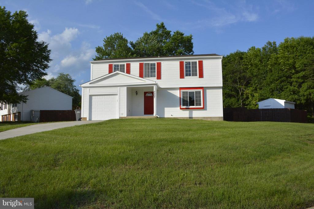 House sits on 1/3 acre - 7307 BONNIEMILL LN, SPRINGFIELD