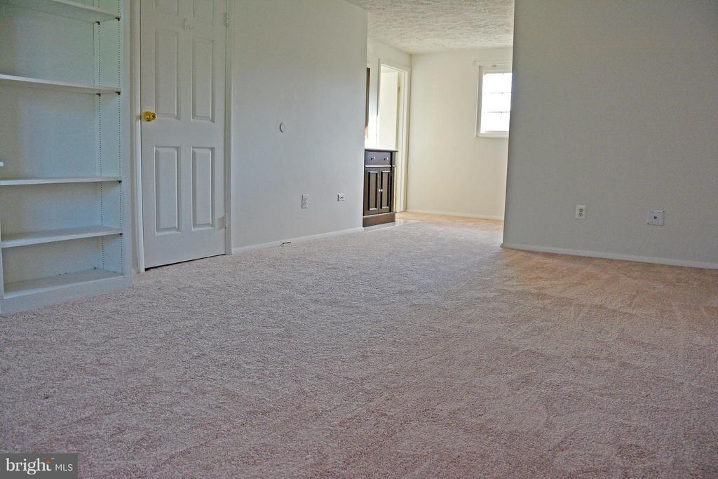 Bedroom (Master) - 7307 BONNIEMILL LN, SPRINGFIELD