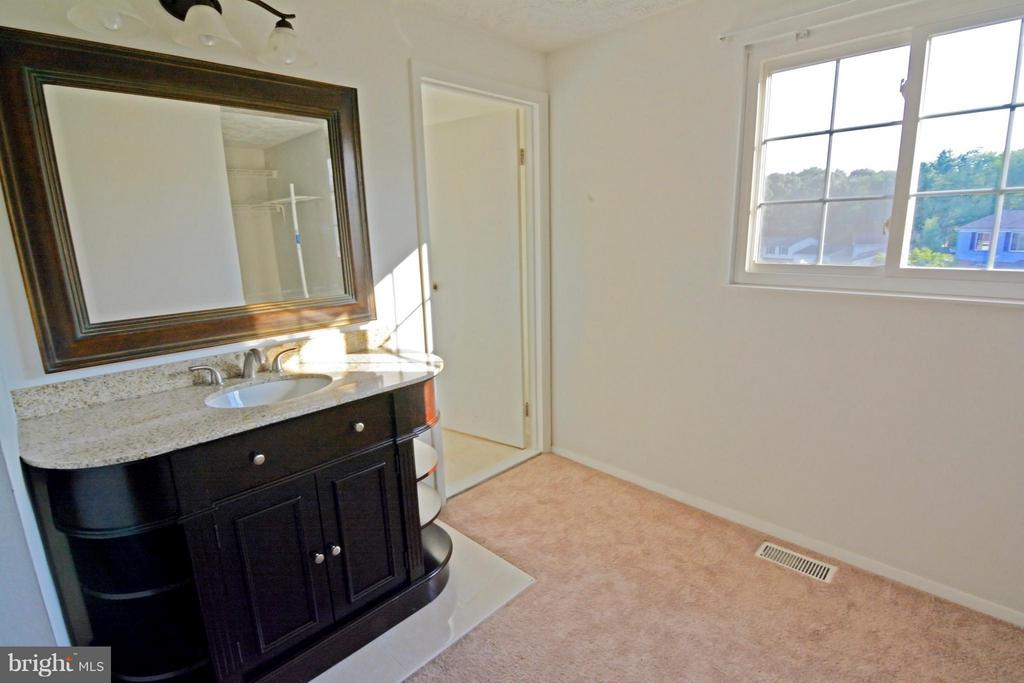 Bedroom (Master) Sink Vanity Outside of Full Bath - 7307 BONNIEMILL LN, SPRINGFIELD