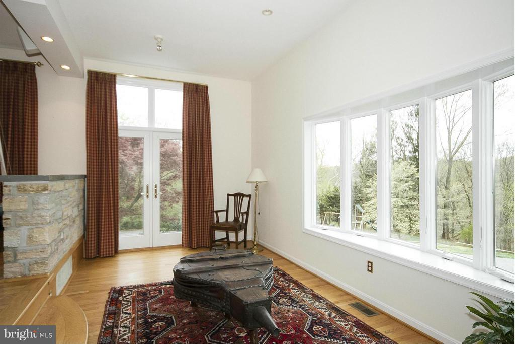 Lower section of family room - 1023 WAGNER RD, TOWSON