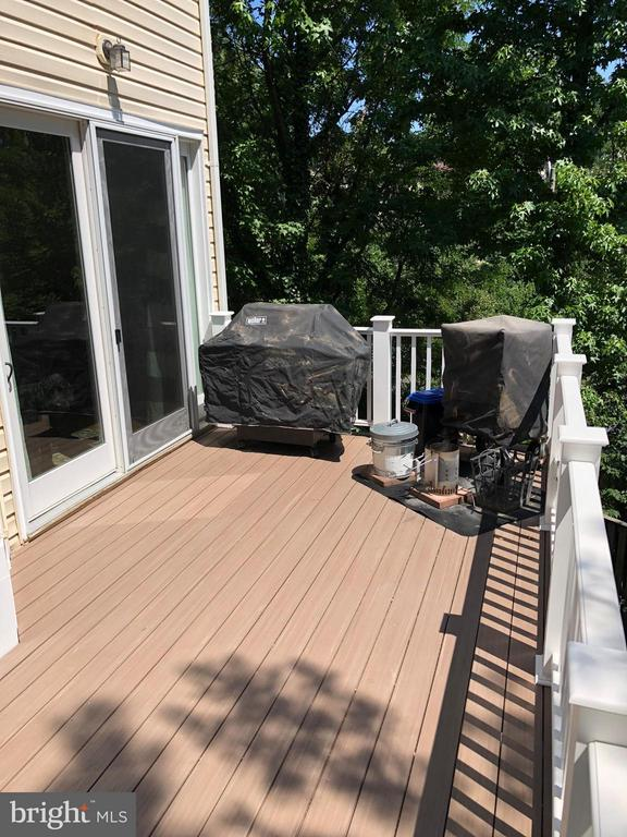 Composite Decking - 3001 FALLSWOOD GLEN CT, FALLS CHURCH