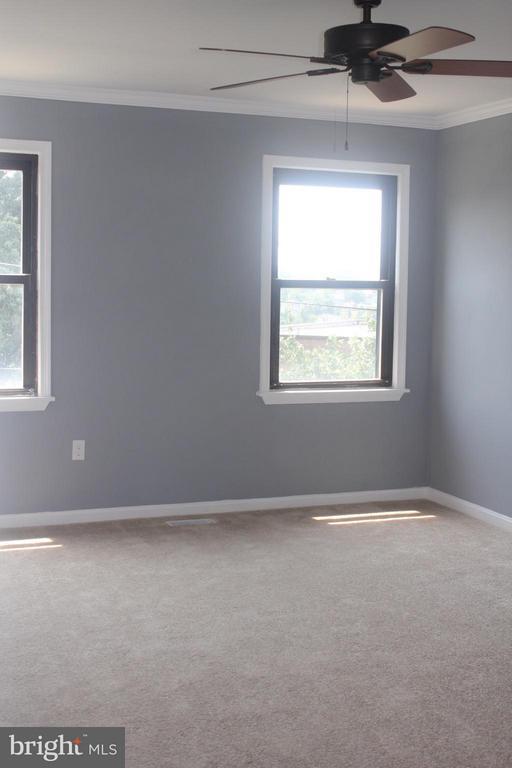 Bedroom - 4924 JAY ST NE, WASHINGTON