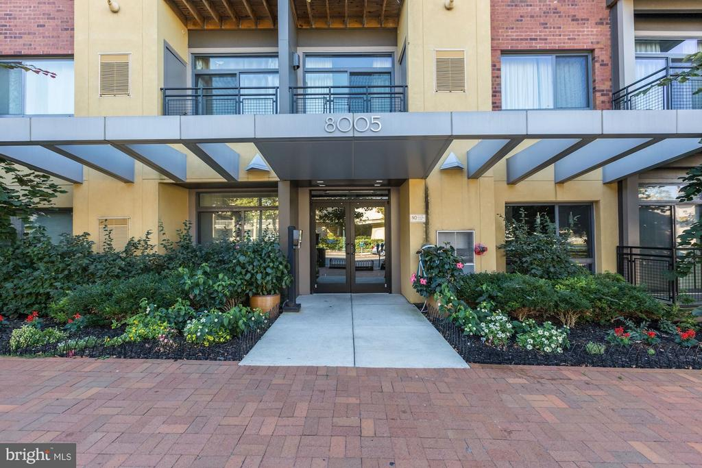 Controlled access building - 8005 13TH ST #302, SILVER SPRING