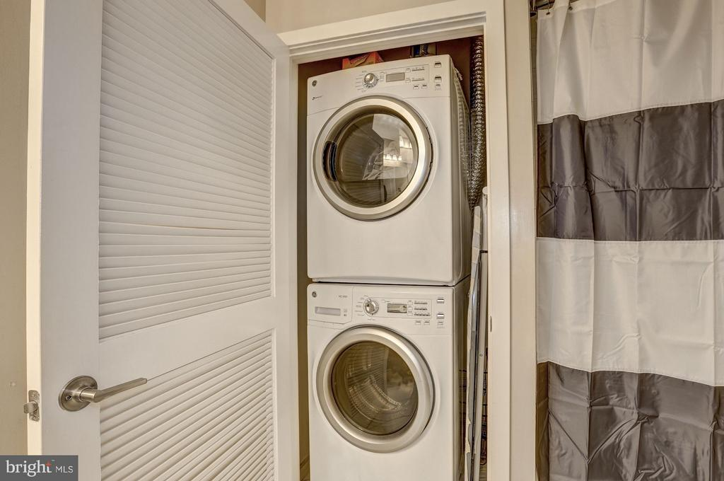 Washer/Dryer in Master Suite - 8005 13TH ST #302, SILVER SPRING