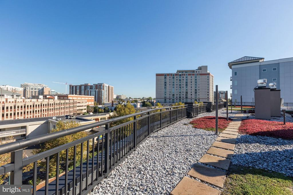 - 8005 13TH ST #302, SILVER SPRING