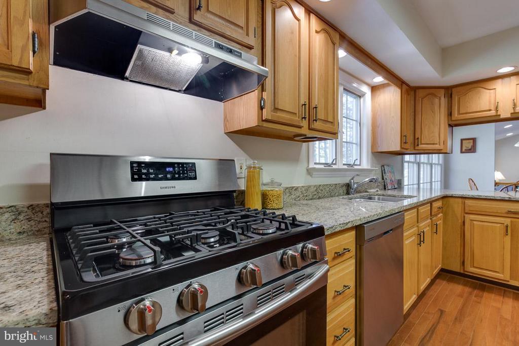 Propane cooking - 9879 HEMLOCK HILLS CT, MANASSAS
