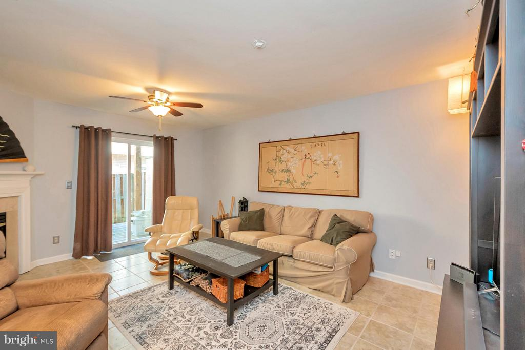 Family Room  or 3rd bedroom - 4994 MARSHLAKE LN, DUMFRIES
