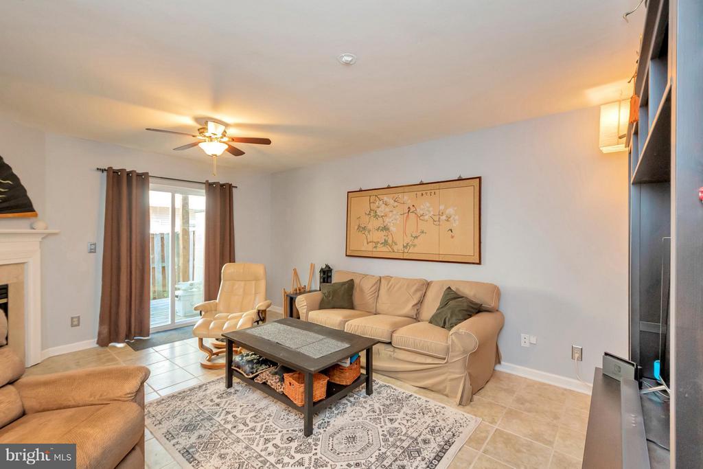 Family Room  or 3rd bedroom - 4994 MARSHLAKE LN, DUMFRIES