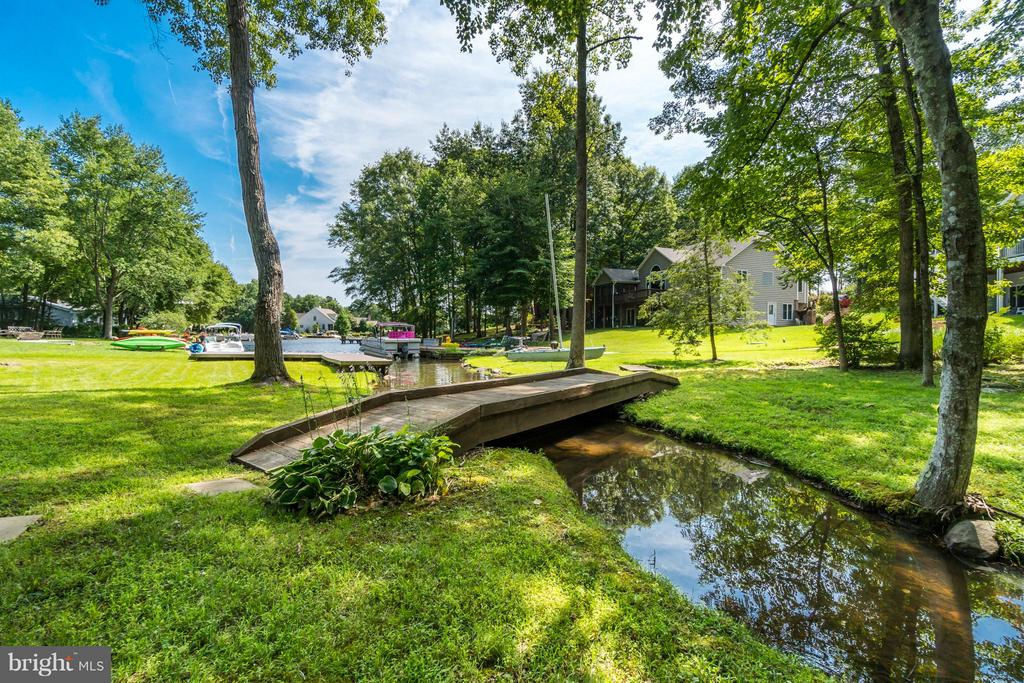 Sit Back, Relax and Enjoy Nature!!! - 1435 LAKEVIEW PKWY, LOCUST GROVE