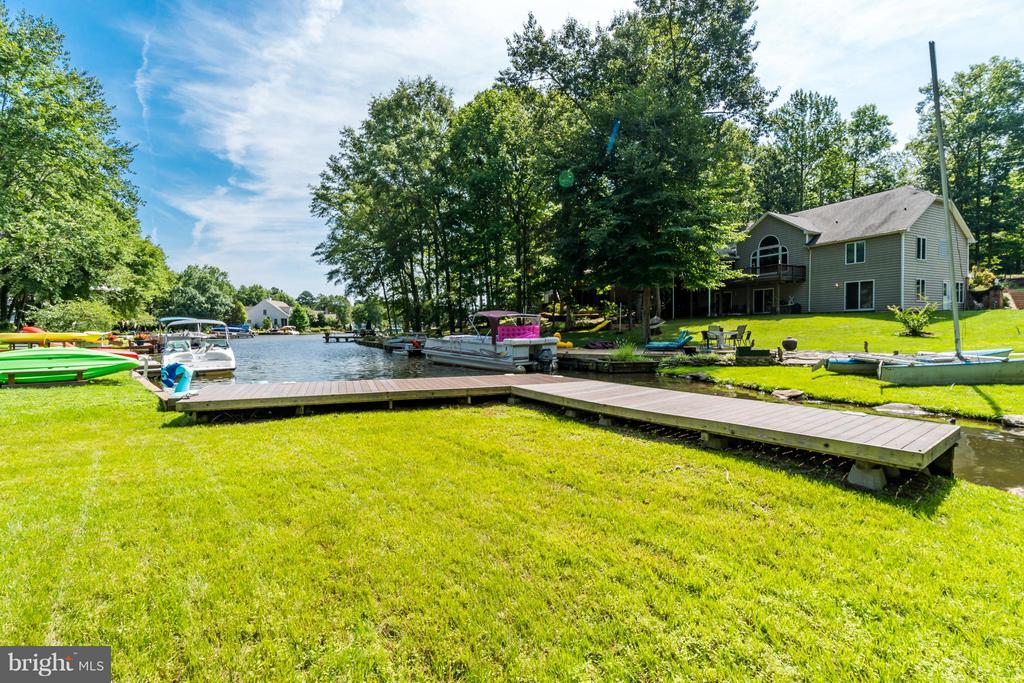 Private Dock!!! - 1435 LAKEVIEW PKWY, LOCUST GROVE