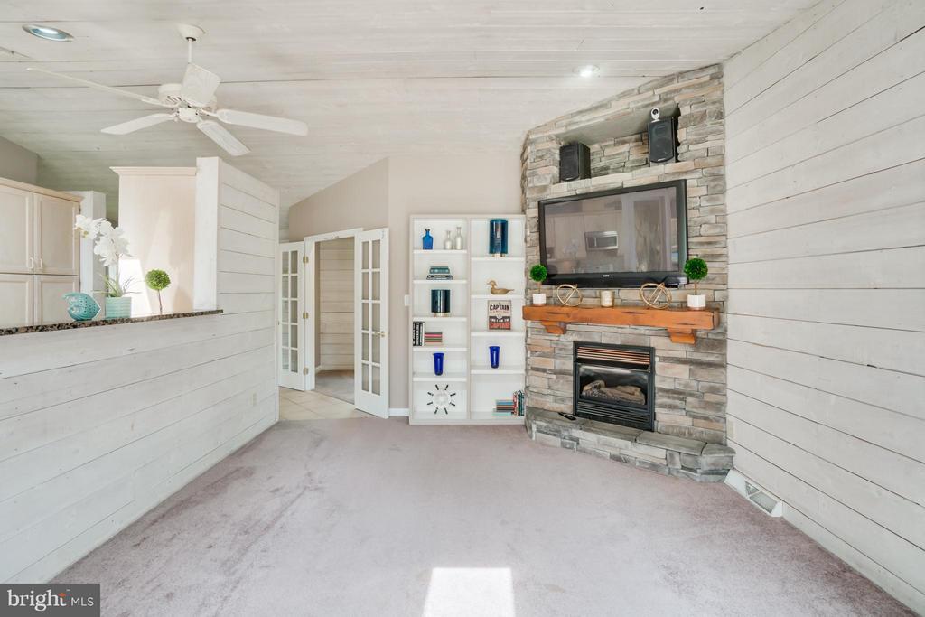 Open Floor Plan!!! - 1435 LAKEVIEW PKWY, LOCUST GROVE