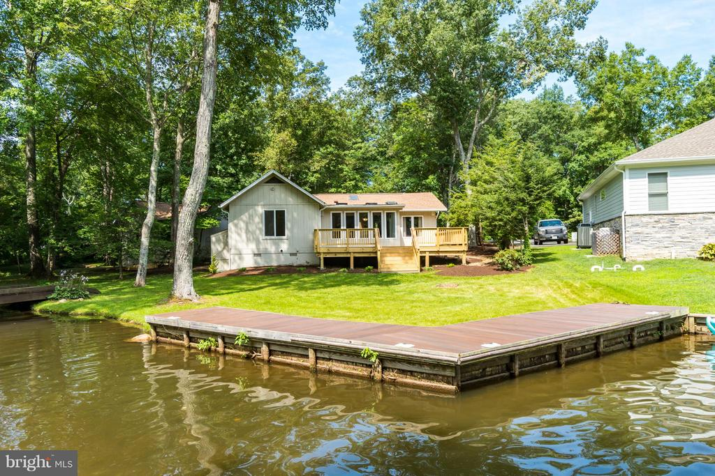 Dock & Waterfront!!! - 1435 LAKEVIEW PKWY, LOCUST GROVE