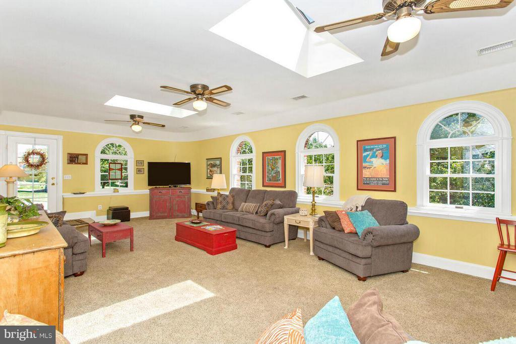 Family Room - 2311 GILLIS RD, MOUNT AIRY
