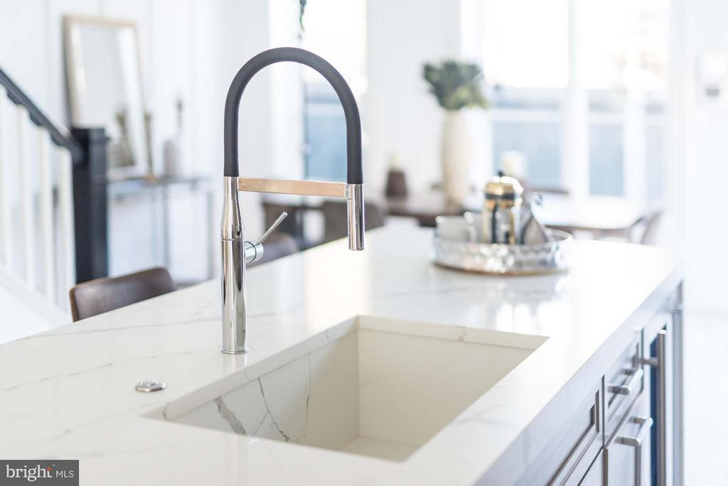 Calcutta Quartz Sink & Countertops - 727 EUCLID ST NW #B, WASHINGTON