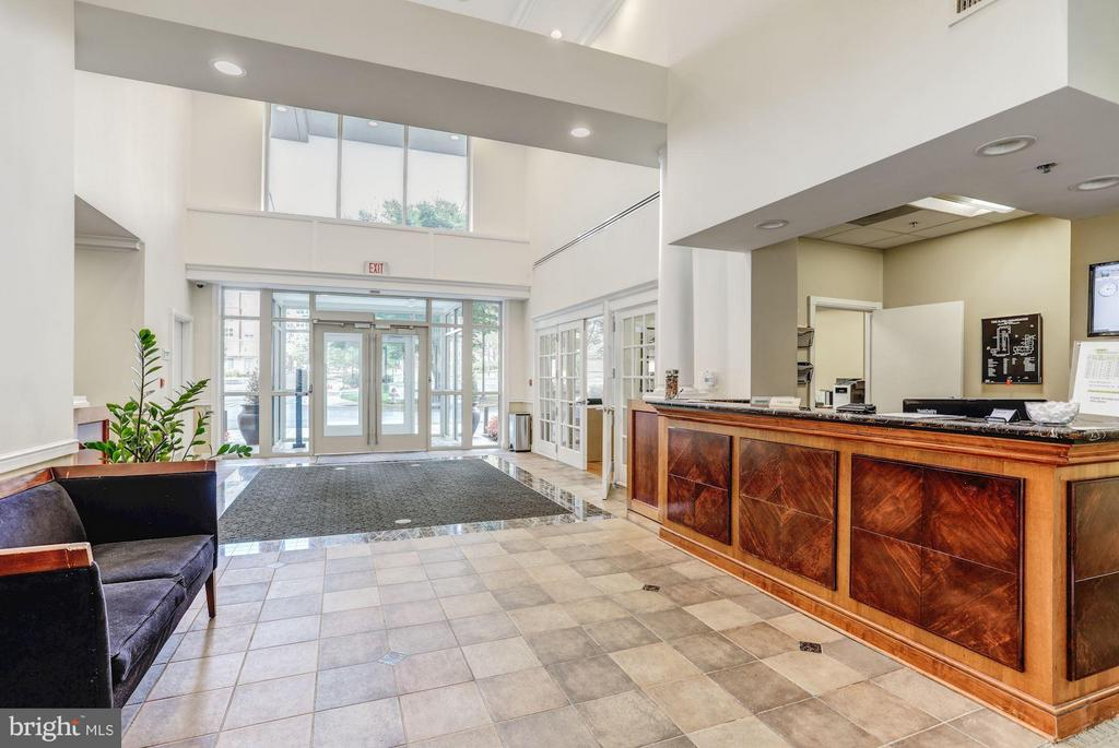 Community with Concierge & Security - 2726 GALLOWS RD #113, VIENNA