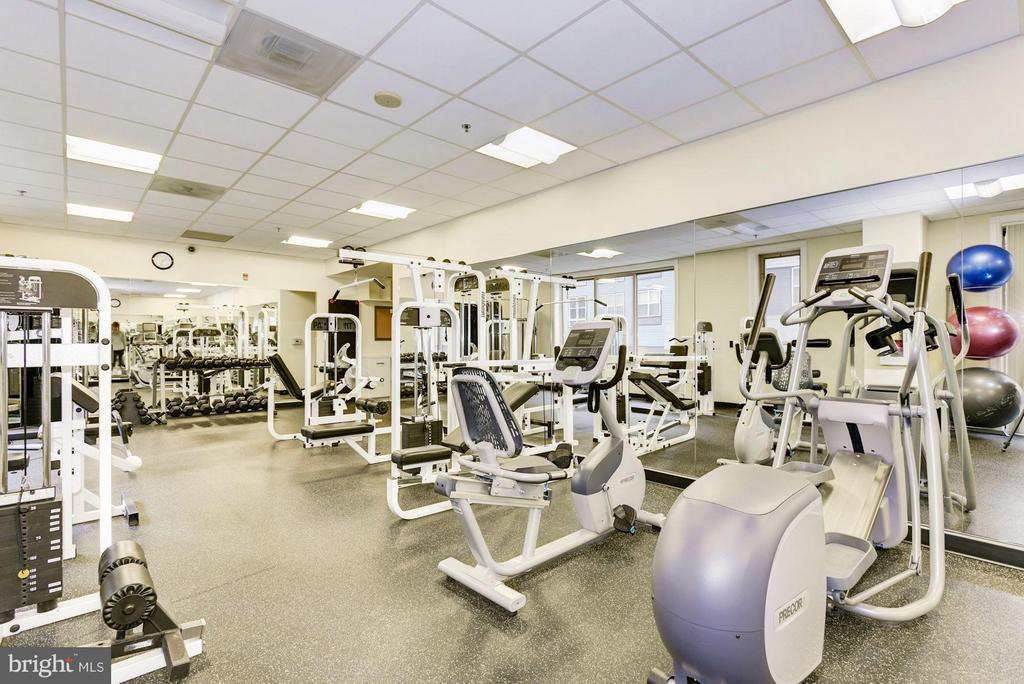 Community Fitness Center - 2726 GALLOWS RD #113, VIENNA