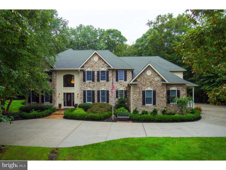 Nhà ở một gia đình vì Bán tại 308 FOX RUN Court Mullica Hill, New Jersey 08062 Hoa Kỳ