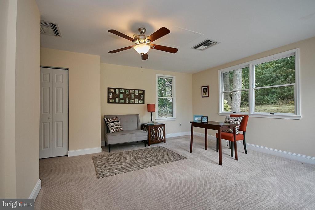Bedroom Four Main Level W/ Private Bath - 13716 LELAND RD, CENTREVILLE