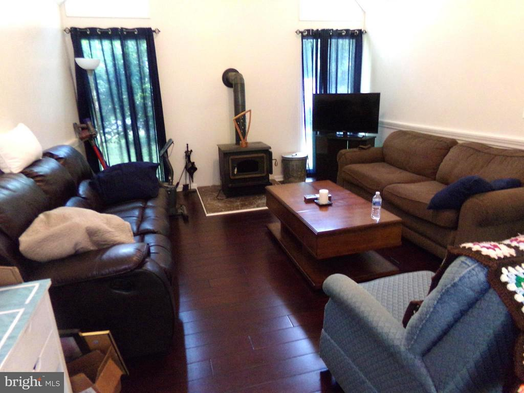 Living Room - 11504 WILDERNESS PARK DR, SPOTSYLVANIA
