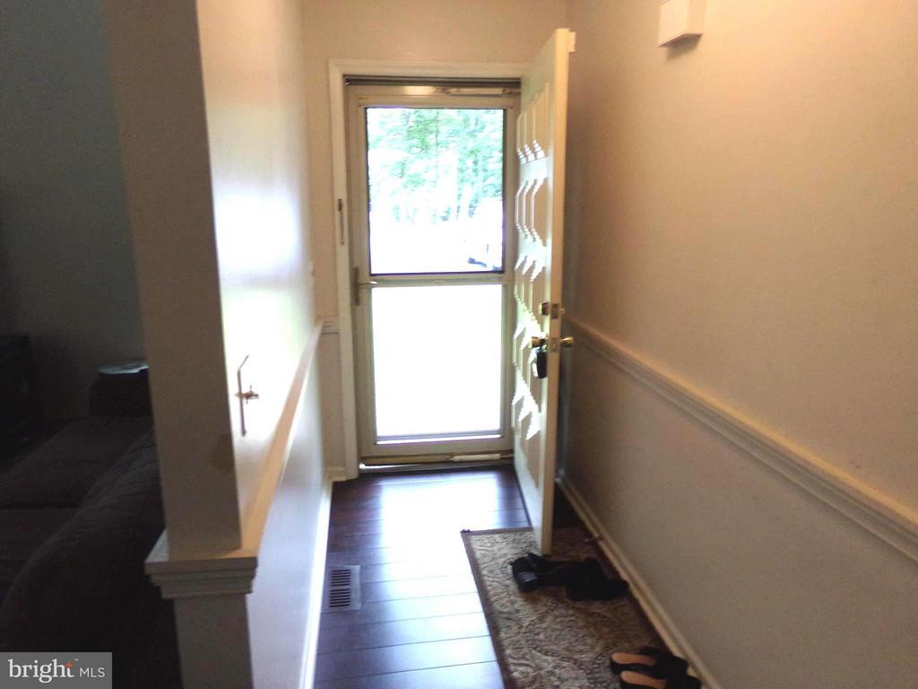Entry hall - 11504 WILDERNESS PARK DR, SPOTSYLVANIA