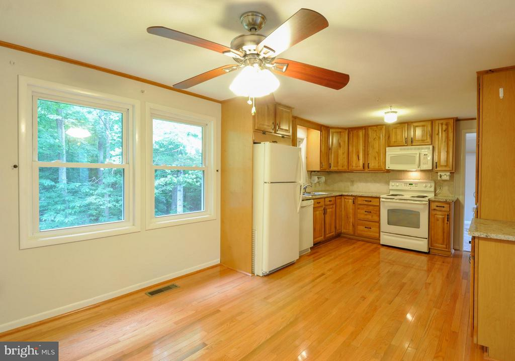 Great Space for Dining - 406 OAKRIDGE DR, STAFFORD