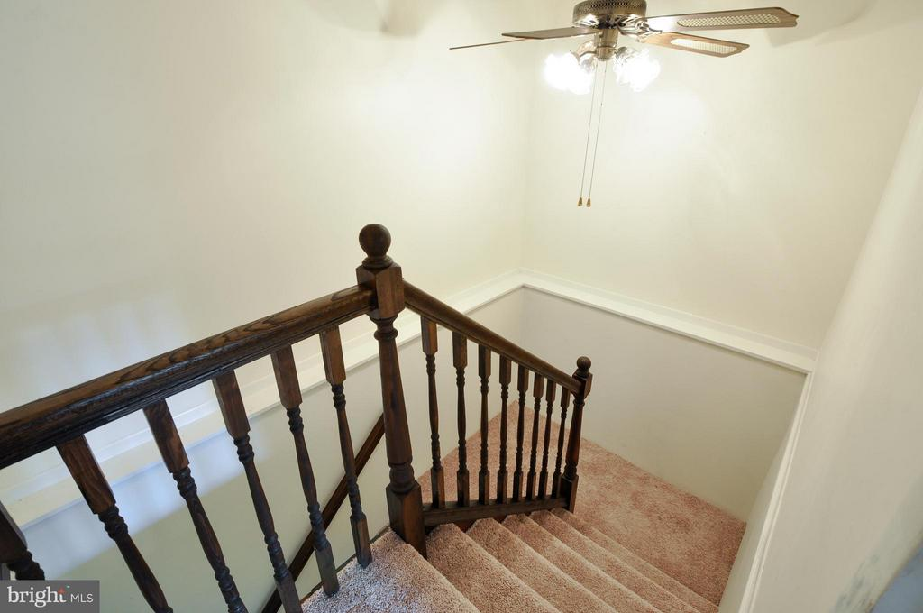 Newly installed Banister - 406 OAKRIDGE DR, STAFFORD